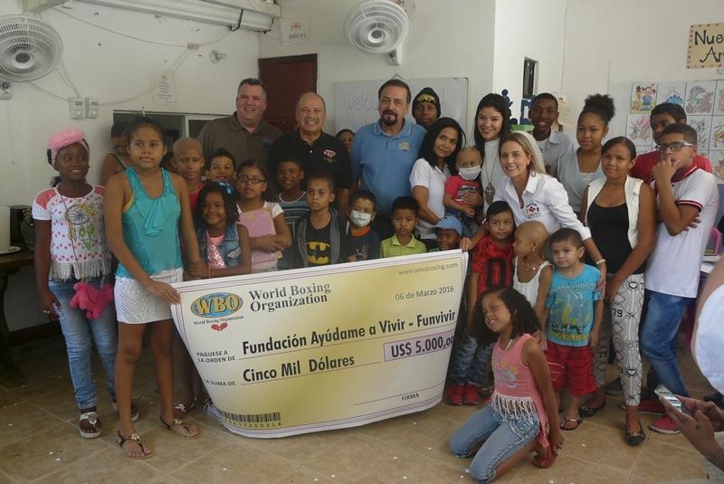 OMB entrega donativo a FUNVIVIR en Cartagena