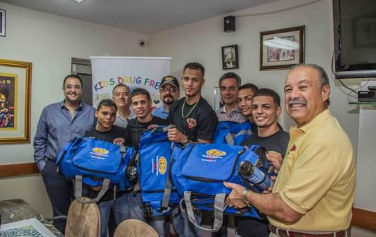 """""""WBO Kids Drug Free"""" obsequió equipo de entrenamiento a integrantes de la Selección de Boxeo Aficionado de Puerto Rico"""