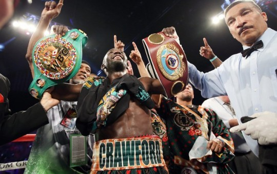 Photos: Crawford Dominates Postol To Unify – HUGE Gallery