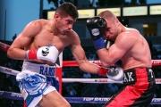 Zurdo outpoints Bursak, retains WBO title