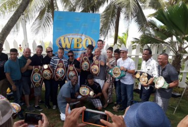 Compartiendo con leyendas del boxeo puertorriqueño / Sharing with legends of Puerto Rican boxing